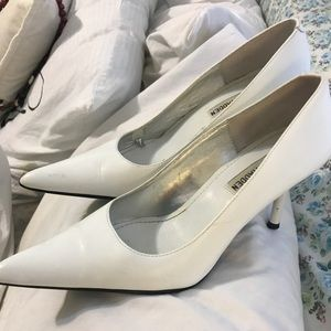 White Leather Pointy Toe Steve Madden Heels 5.5